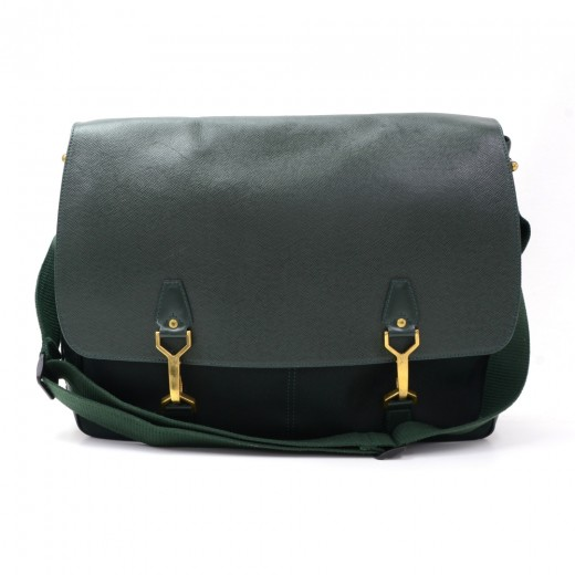 c36d9bb10b77 Louis Vuitton Dersou Dark Green Ardoise Taiga Leather Large Messenger Bag