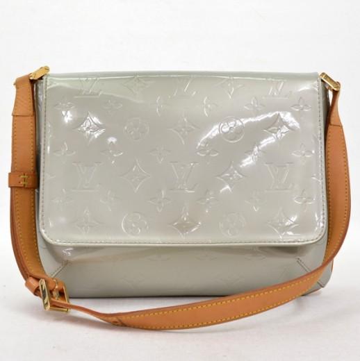 af0e4627337d Louis Vuitton Louis Vuitton Silver Vernis Leather Thompson Street ...