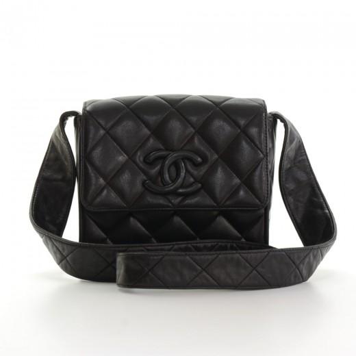 4b6f04598c797f Vintage Chanel Black Quilted Leather Shoulder Bag With Leather Strap