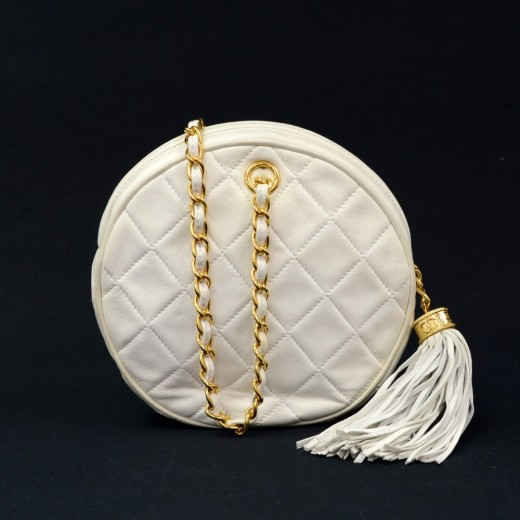 db3a25b7bd5d Chanel Vintage Chanel White Quilted Leather Fringe Round Pouch Bag