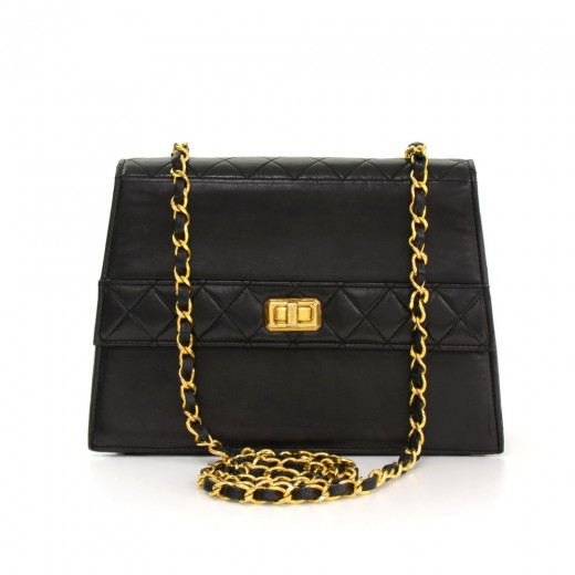 3300a8a200b Chanel Vintage Chanel Flap Black Quilted Leather Small Shoulder Bag ...