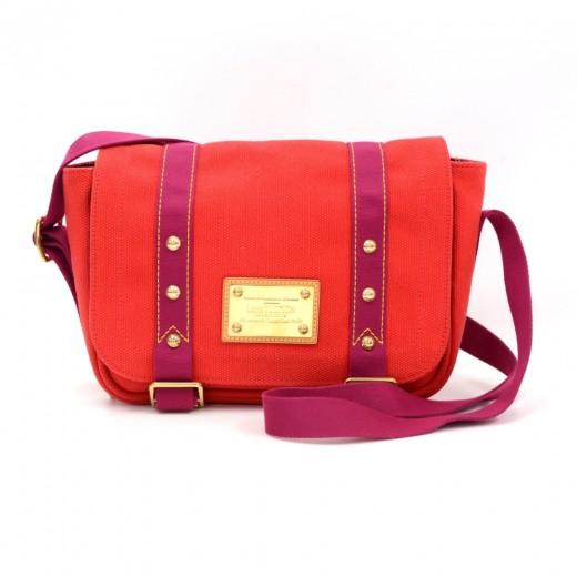 1ba17621cb2a Louis Vuitton Sac Rabat Red Antigua Canvas Messenger Bag - 2006 Limited