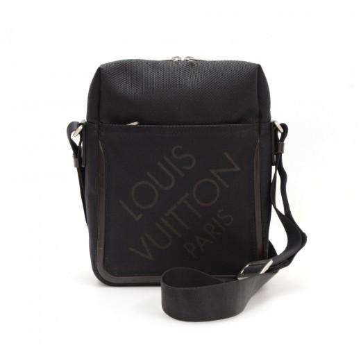 ... Louis Vuitton Citadin Black Damier Geant Canvas Messenger Bag ... 2b5ac24efbb42
