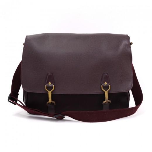372357be1a17 Louis Vuitton Dersou Burgundy Ardoise Taiga Leather Large Messenger Bag