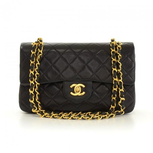 130aae90b218 119 Vintage Chanel 2.55 9