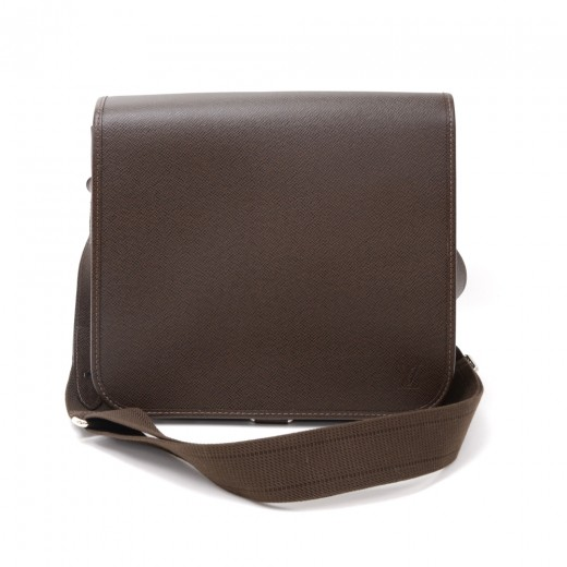 f0939af762e0 Louis Vuitton Louis Vuitton Andrei Chocolate Brown Taiga Leather ...