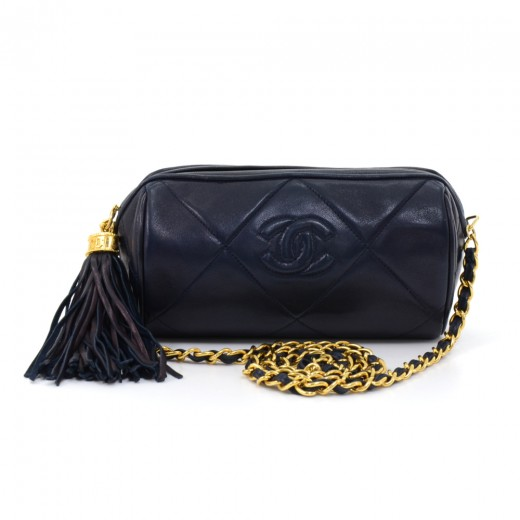 e606a62b52e9 Chanel Vintage Chanel Navy Diamond Quilted Leather Barrel Shoulder ...