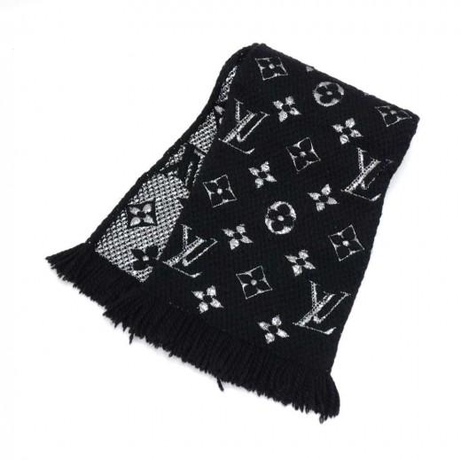 742a64ca73be Louis Vuitton Louis Vuitton Logomania Shine Black and Silver Scarf