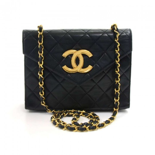 2e3f31054fcf90 Chanel Vintage Chanel Black Quilted Leather Envelope Flap Crossbody ...