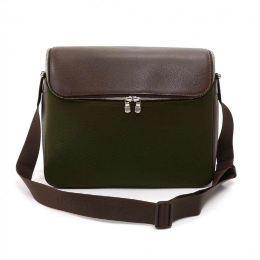 b4187d0b3da6 Louis Vuitton Louis Vuitton Taimyr Brown Taiga Leather x Green ...