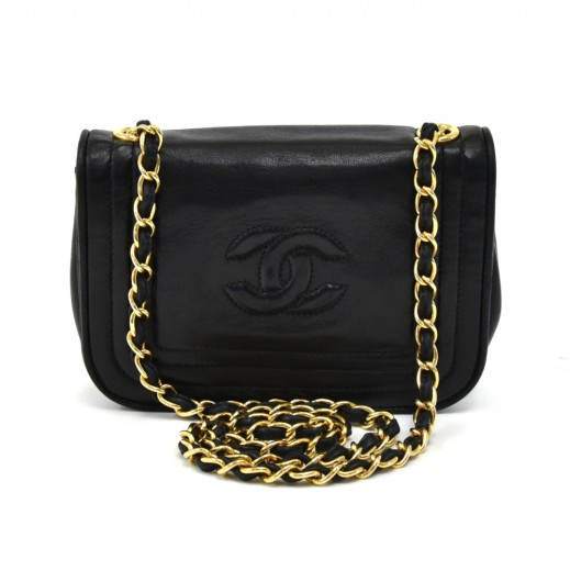 7d12623ae40597 Chanel Vintage Chanel Black Lambskin Leather Mini CC Logo Flap Bag