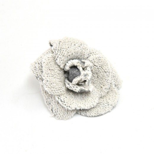 22a071e6a2154 Chanel Vintage Chanel White   Gray Wool Knit Camellia Flower Brooch ...