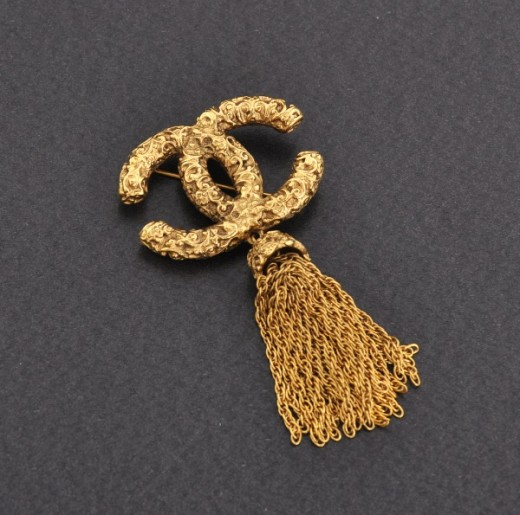 1c2ee1946737 Chanel Vintage Chanel Brooch Pin Gold Tone Chain Fringe CC Logo