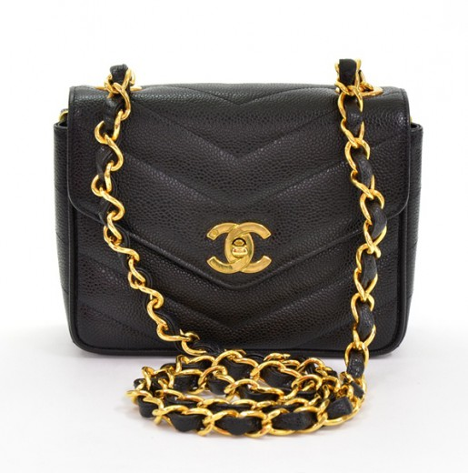 a7b8a57c1c7b Chanel Chanel Black caviar Leather V-quilted shoulder bag gold chain ...
