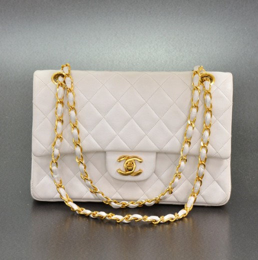 bbca8ef6ad64 Chanel Chanel White Quilted Leather 2.55 9