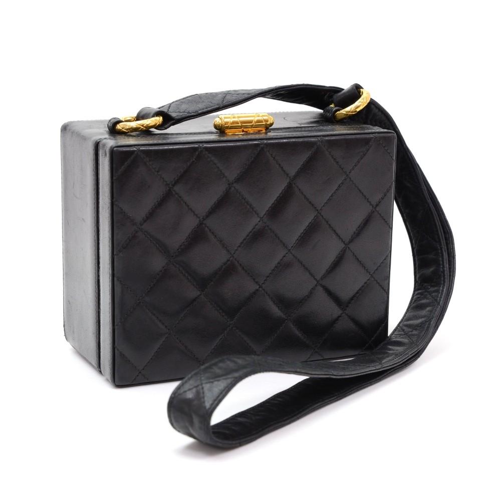 9530aadc1577b7 Chanel Vintage Chanel Black Quilted Leather Shoulder Square Pochette ...