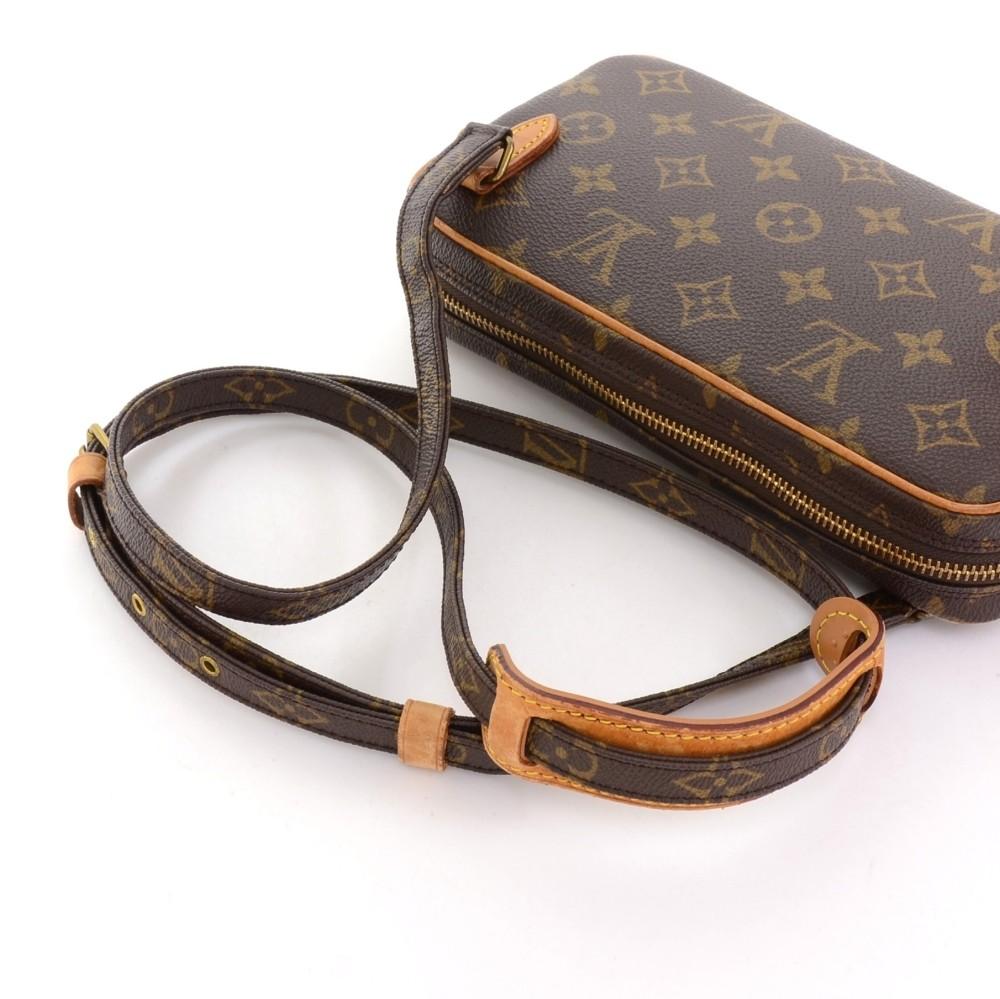 f35e03f14c2a Louis Vuitton Vintage Louis Vuitton Pochette Marly Dragonne PM ...