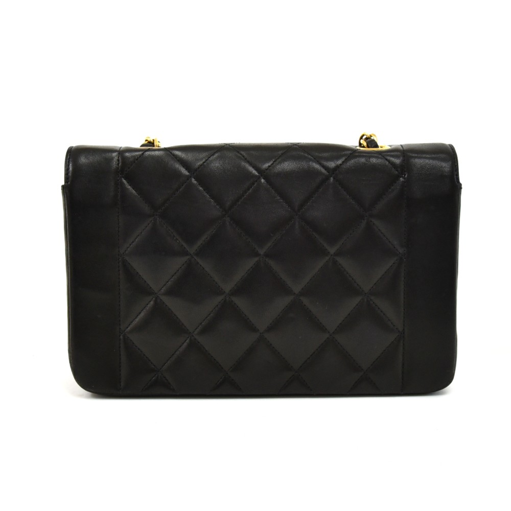 f23fe6bf47d1 Chanel Vintage Chanel Diana Classic Black Quilted Leather Shoulder ...
