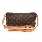 Louis Vuitton Trotteur Monogram Canvas Shoulder Pochette Bag