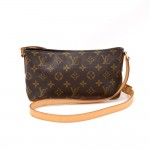 Louis Vuitton Trotteur Monogram Canvas Shoulder Pochette Bag
